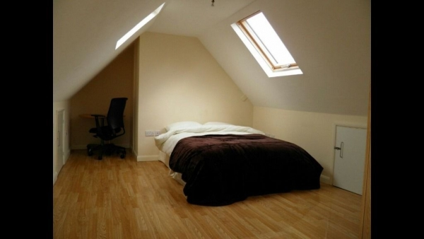 5 bedrooms, Mead Plat, NW10 0PD